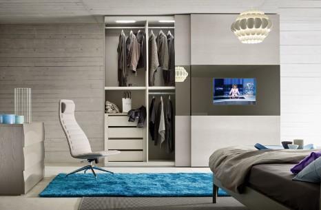 La TV dentro l'armadio