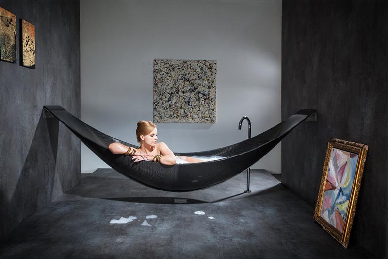 Hai mai pensato ad un'amaca in bagno?